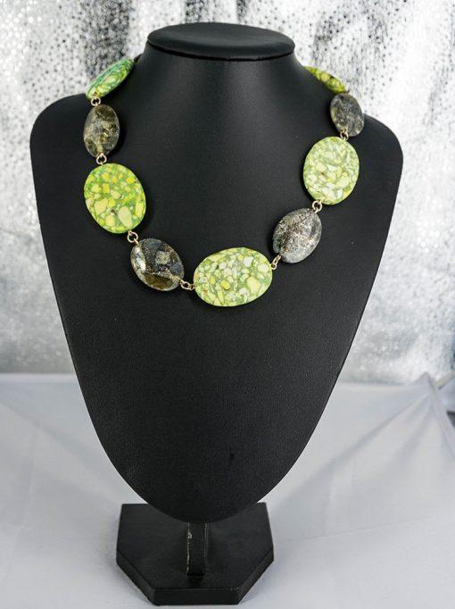 Smykke med steiner