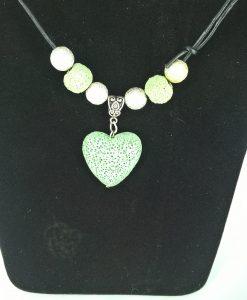 Hjertepalletten mini. Lys grønn lav med skinnsnor