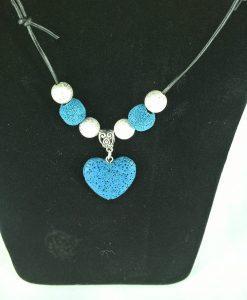 Hjertepalletten mini skinnsmykke med blåttlavahjerte