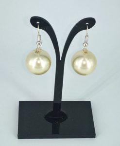 Hvite perler 16 mm øredobber