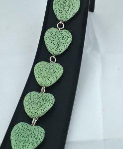 Hjertepallettens sølvarmband med lys grønne lava hjerter
