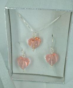 Smykkesett med rosa swarowsky hjerter