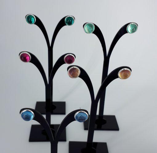 5 par Ørestikk med glass caboshon