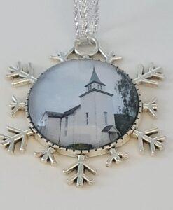 Korgen kirke, Hennes